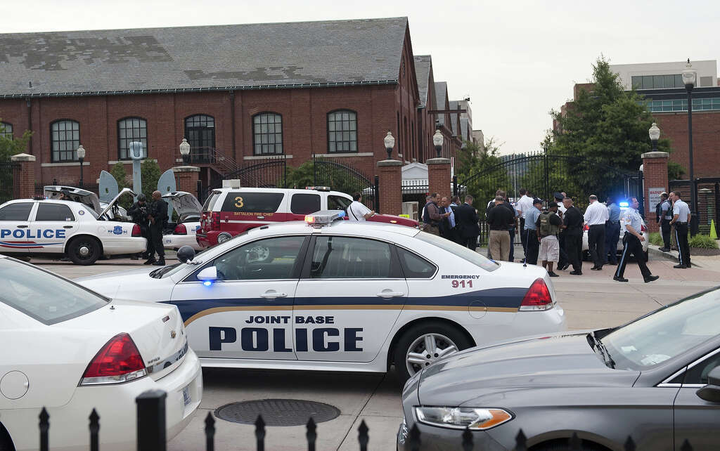 Police: Navy Yard gunman previously arrested in Seattle shooting ...