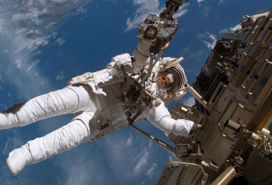 This December 2006 image provided by NASA shows European Space Agency astronaut Christer Fuglesang working outside the International Space Station. Photo: Associated Press