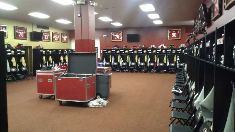 The 49ers locker room, formerly the Giants clubhouse at Candlestick Park. Chronicle/ Sam Whiting