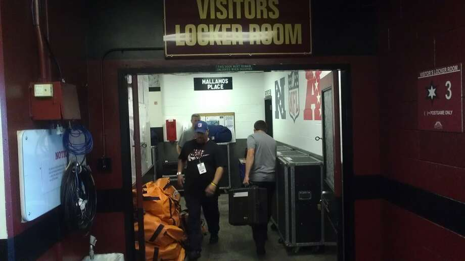 Mallamo's Place, the entrance to the visiting team locker room at Candlestick Park. Chronicle/Sam Whiting