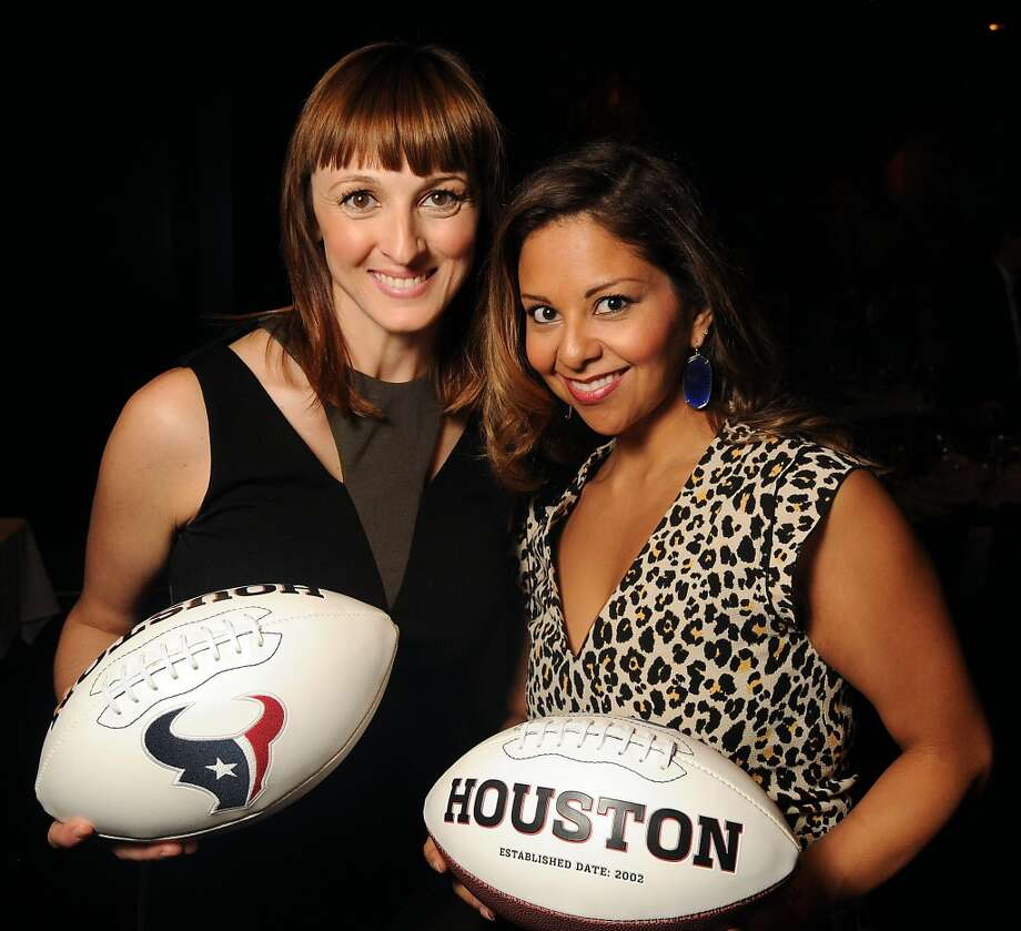 Fiona Tolunay and Grace Florez Photo: Dave Rossman, For The Houston Chronicle