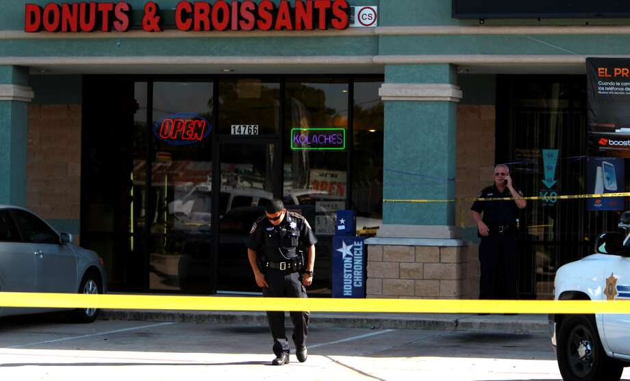 A clerk was wounding in a shootout with masked thieves at 6:50 a.m. Tuesday  during a robbery at Fantastic Donut and Croissants at  14766 Tomball Parkway. Photo: Mayra Beltran, Houston Chronicle