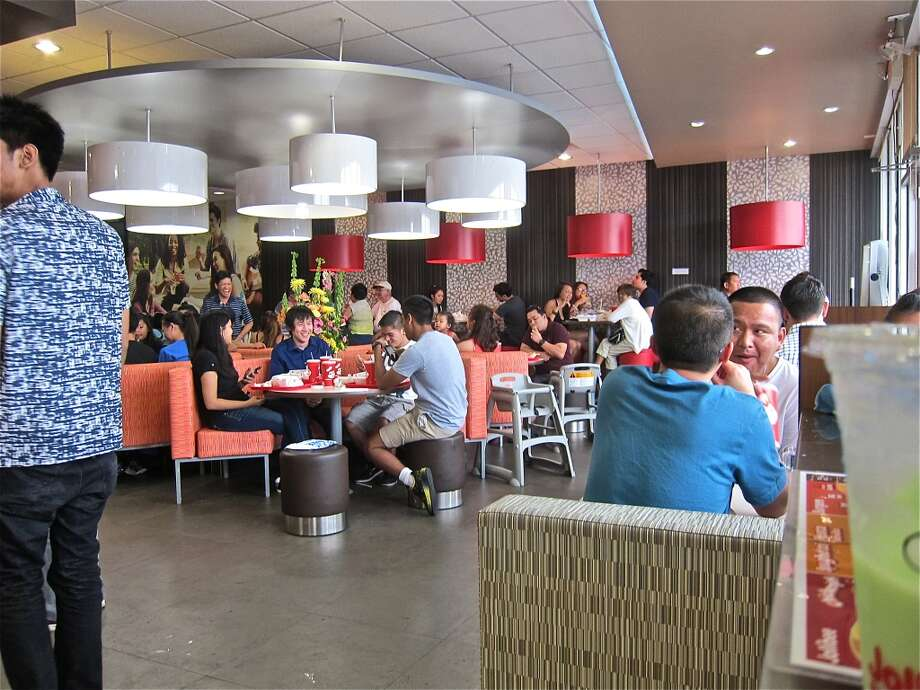 The packed dining room on a Monday mid afternoon, Sept 16 2013, at Jollibee. Photo: Alison Cook
