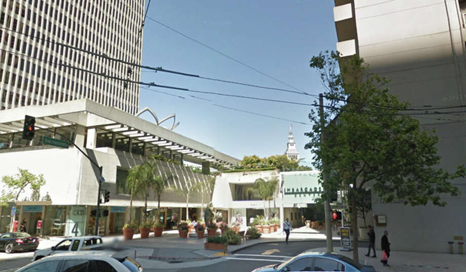 A man brandishing a knife on the ledge between Embarcadero 4 and the Hyatt Regency held off police for 10 hours Monday evening before being talked down. Photo: Google Maps