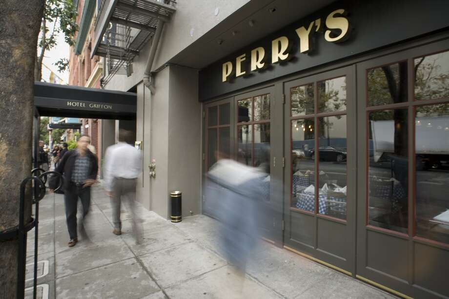 Perry's on Steuart Street. Photo: Peter DaSilva, Special To The Chronicle