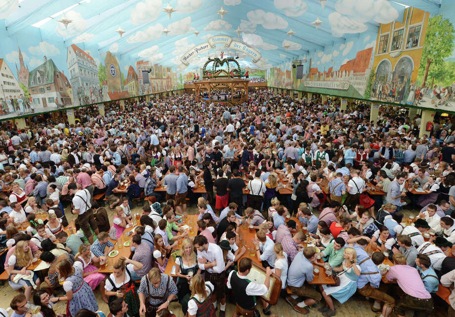 Overview picture of an Oktoberfest festival tent at the Theresienwiese festival grounds in Munich, southern Germany, on Sept. 23, 2012. Photo: CHRISTOF STACHE, Getty Images / 2012 AFP