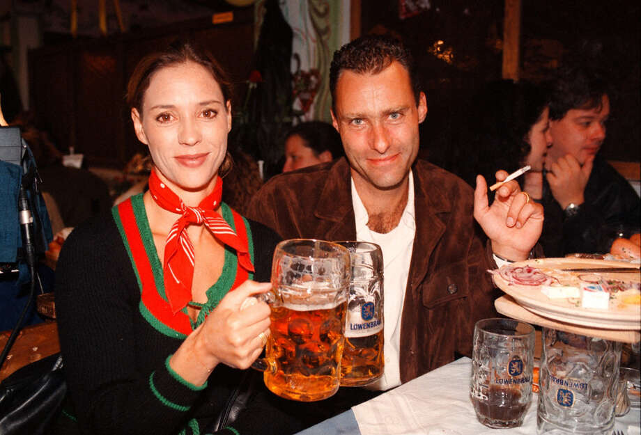 Revelers enjoy Oktoberfest. Photo: Peter Bischoff, Getty Images / 1998 Getty Images