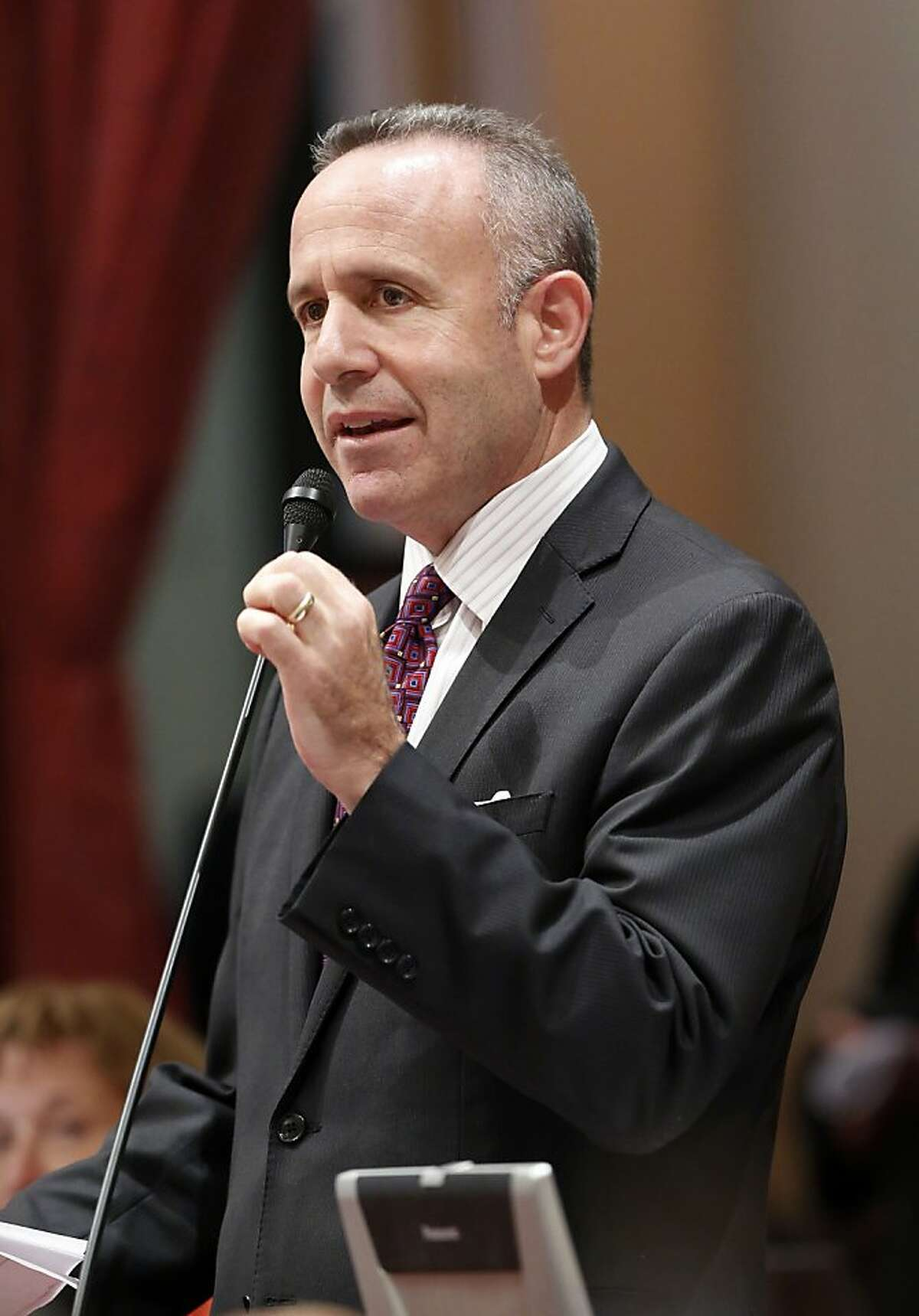 State Senate President Pro Tem Darrell Steinberg, D-Sacramento, urges lawmakers to approve a compromise plan to deal with the state's prison overcrowding, at the Capitol in Sacramento, Calif., Wednesday, Sept. 11, 2013. The bill, SB105, a plan asking federal judges to extend the deadline for releasing thousands of inmates, combined with Gov. Jerry Brown's plan to lease cells in private prisons and county jails if the court sticks to its year-end deadline to reduce the inmate population, was approved 35-2 and now goes to the governor. (AP Photo/Rich Pedroncelli)