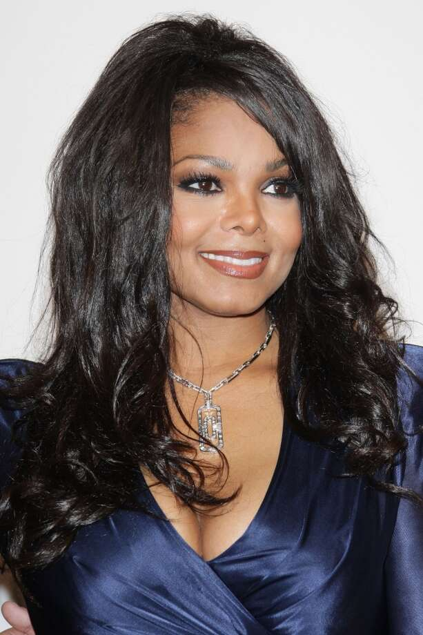 Janet Jackson wearing the Parentesi necklace in white gold with baguette and pavé diamonds at the AMFAR galla dinner in Milan, 2009. Photo: Courtesy Of The De Young And Bulgari