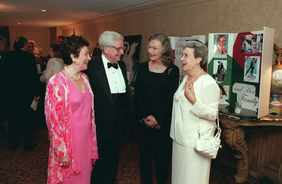 L-R: honorary chairs Enid Robinson Rosenfeld and Bernard Weingarten, honoree Patsy Swayze, and chair Jo Alessandro Marks. HOUCHRON CAPTION (05/21/2001): Main Street Theater gala honorary chairs Enid Robinson Rosenfeld and Bernard Weingarten, left, and gala chair Jo Alessandro Marks, far right, congratulate honoree Patsy Swayze at the Warwick Hotel on Friday. Photo: Bruce Bennett, Special To The Chronicle / Freelance