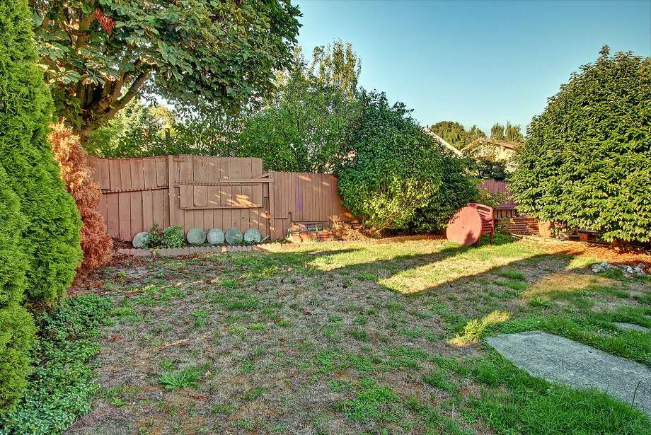 Yard of 2216 N.W. 63rd St. It's listed for $424,950. Photo: Redfin