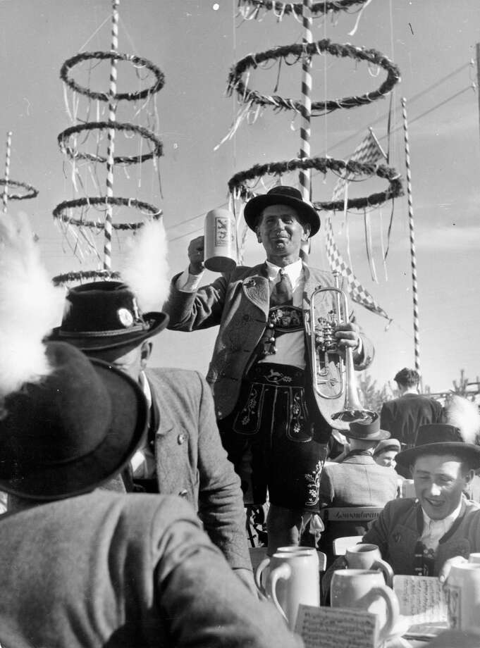 Oktoberfest In Munich, Germany, 1955. Photo: Authenticated News, Getty Images / 2013 Getty Images