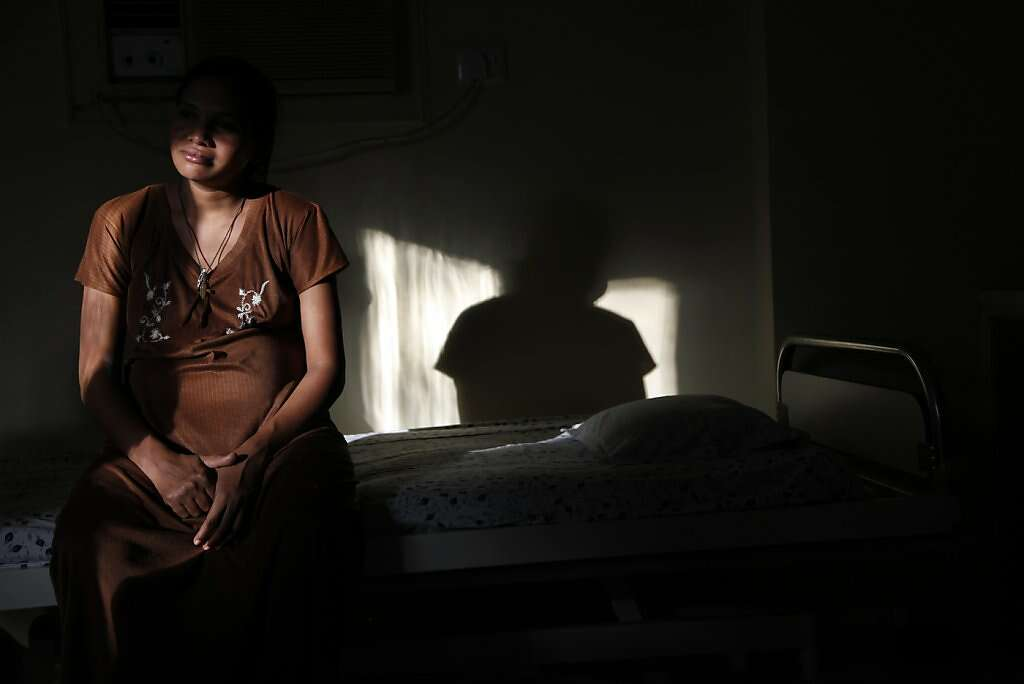 Surrogate Manisha Parmar waits for labor at the Akanksha Infertility Clinic, Wednesday, May 22, 2013, in Anand, India. Parmar gave birth the next day. Photo: Nicole Fruge, The Chronicle