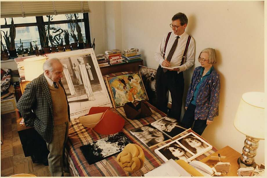 Herbert and Dorothy Vogel look over a portion of the extensive art trove they collected for decades. Photo: HerbandDorothy.com