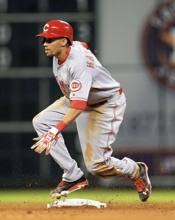 Reds center fielder Billy Hamilton (6) steals second base. Photo: Karen Warren, Houston Chronicle