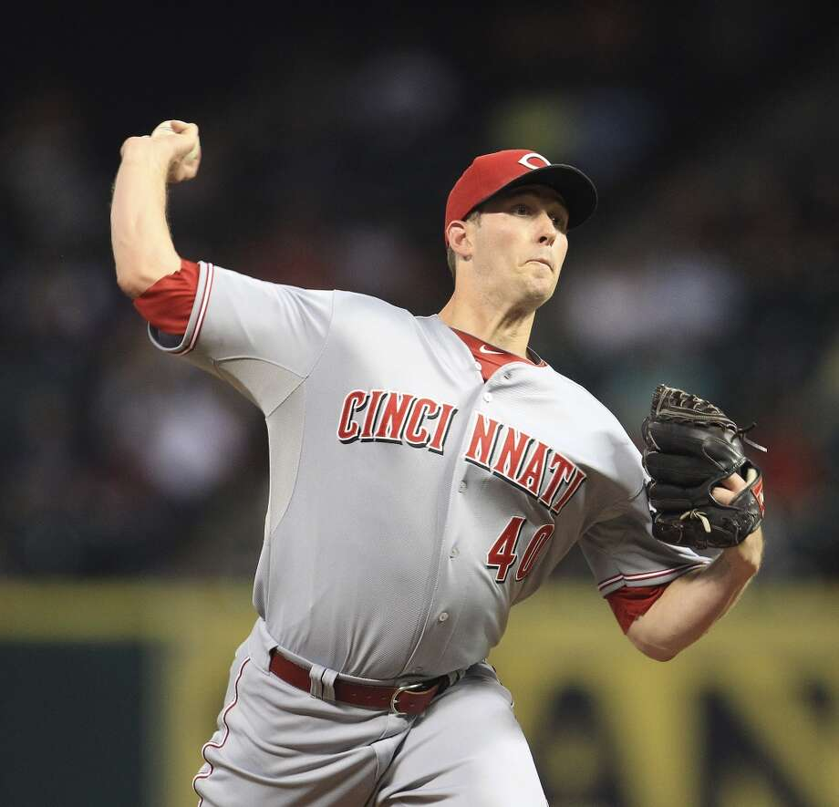 Reds starting pitcher Greg Reynolds (40) pitches. Photo: Karen Warren, Houston Chronicle