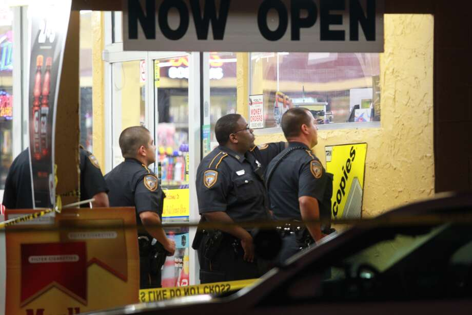A clerk was found dead about 4:15 a.m. Thursday at the Blue Bell Corner Store at        9700 Veteran's Memorial near West Road, according to the Harris County        Sheriff's Office. Photo: Mayra Beltran, Houston Chronicle