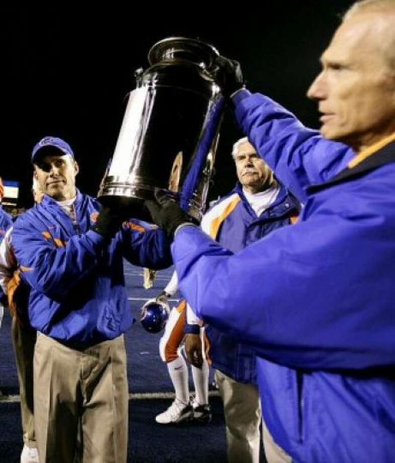 Milk Can Teams: Boise State Broncos vs. Fresno State Bulldogs 