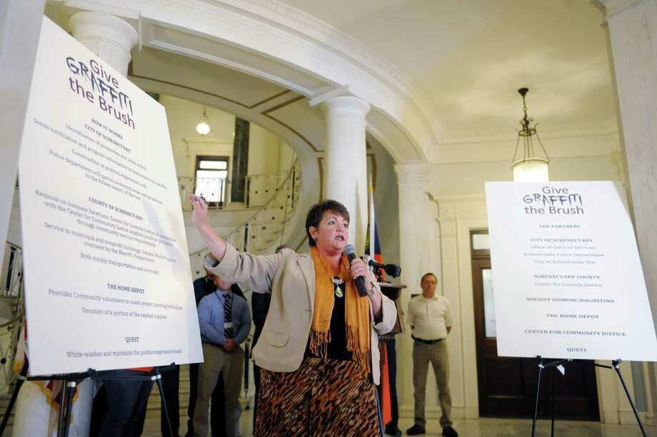 Schenectady City Councilwoman, Leesa Perazzo, explains a new anti-graffiti program during a press conference at Schenectady City Hall on Thursday (Paul Buckowski / Times Union) Photo: Paul Buckowski / 00023925A