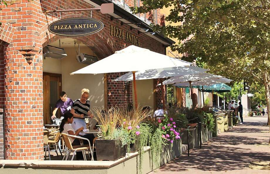 Pizza Antica Photo: Stephanie Wright Hession, Special To The Chronicle