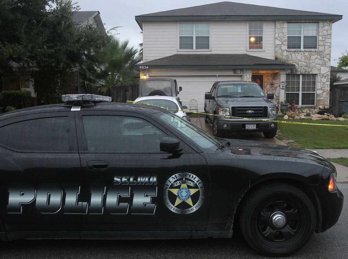 San Antonio-area communities where violent crime rates increased in 2018 10. Selma-7.9 percent increase in violent crime rate 2017 population: 11,117 2017 Violent crimes recorded: 21 2017 Violent Crime Rate per 100,000 people: 189 2018 population: 11,742 2018 Violent crimes recorded: 24 2018 Violent Crime Rate per 100,000 people: 204