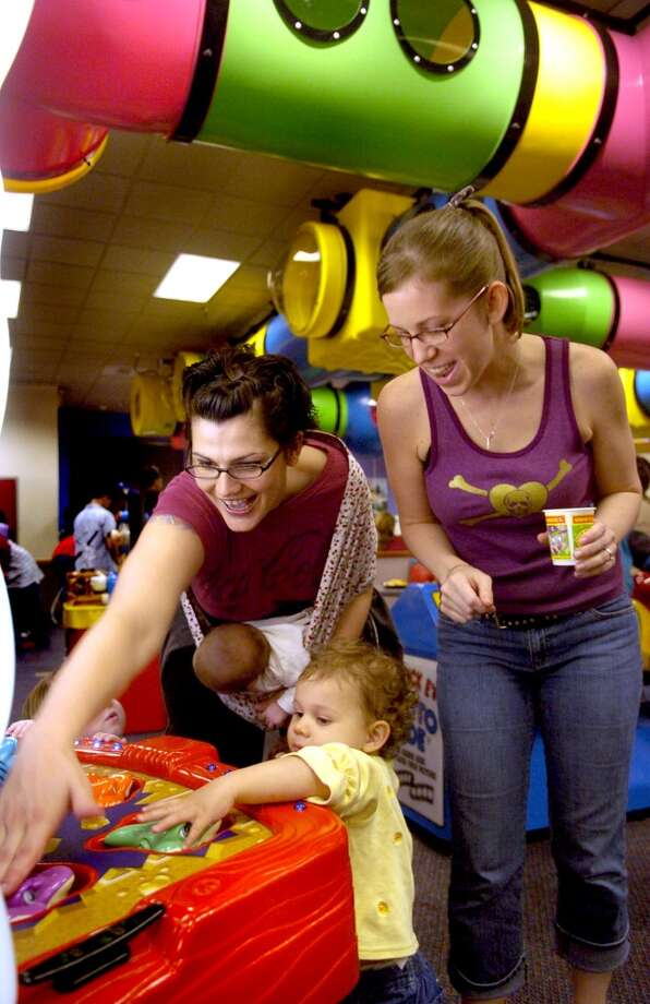 No kid-friendly menu is complete without Chuck E. Cheese, and they offer oven-roasted sandwiches and a large salad bar. Photo: Bobby Coker, KRT