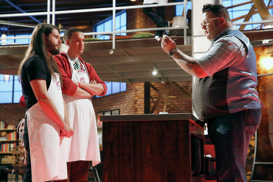 Contestants James and Jordan get a critic from judge Graham Elliot.