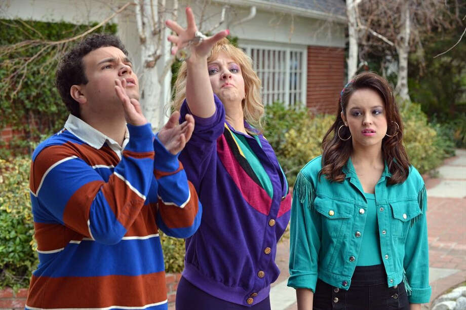 "Troy Gentile, Wendi McLendon-Covey and Hayley Orrantia in ""The Goldbergs."" Photo: Eric McCandless / Eric McCandless / ABC / ONLINE_YES"