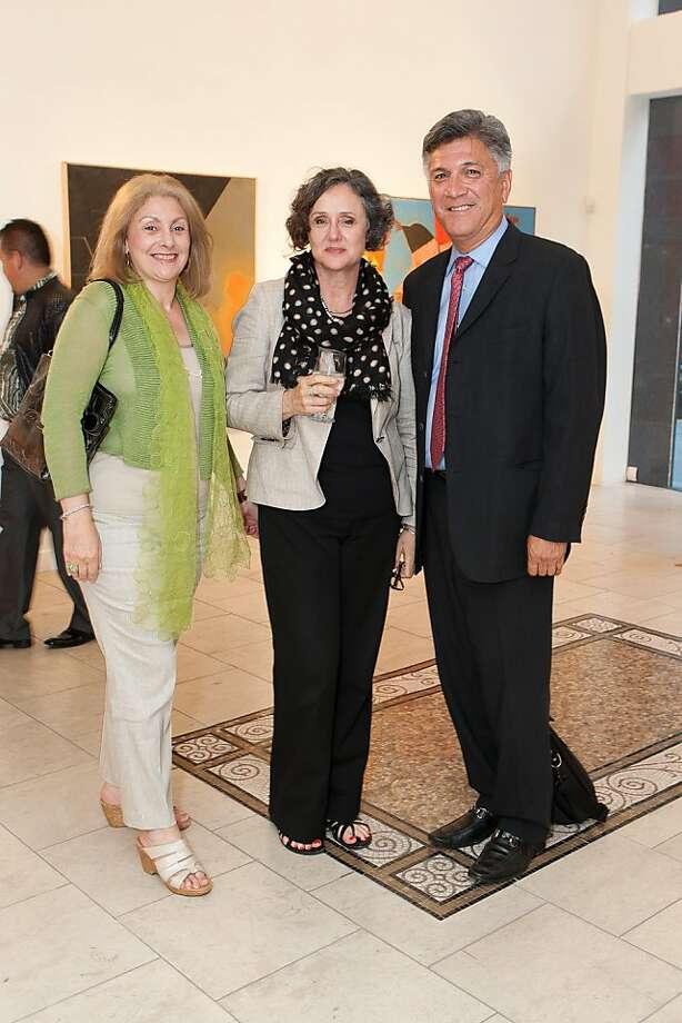 Mara Perez (left), Georgianna de la Torre, Mario Diaz of Wells Fargo Bank. Photo: Drew Altizer Photography