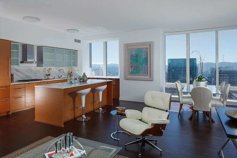 The condo is set on the 47th floor. Photo: Jacob Elliott Photography/JacobE