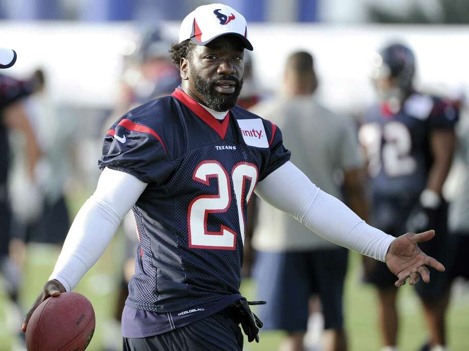 Texans safety Ed Reed, who has been sidelined the first two games by an ailing hip, hopes to make his debut Sunday against the Ravens, his team for the previous 11 seasons. Photo: Pat Sullivan / Associated Press