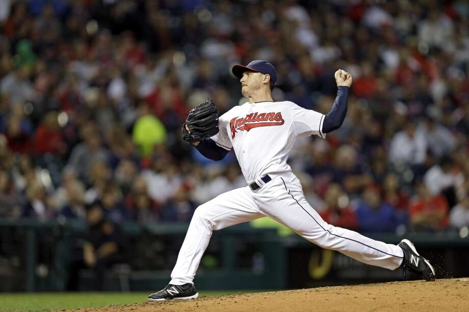 Indians starting pitcher Scott Kazmir delivers against the Astros. Photo: Mark Duncan, Associated Press