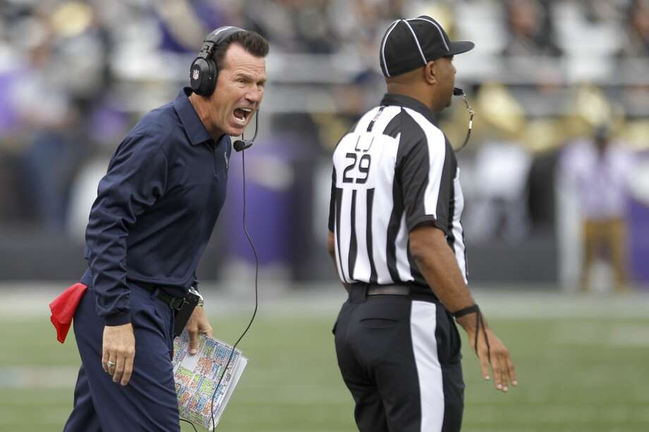 Texans coach Gary Kubiak argues a call. Photo: Brett Coomer, Houston Chronicle