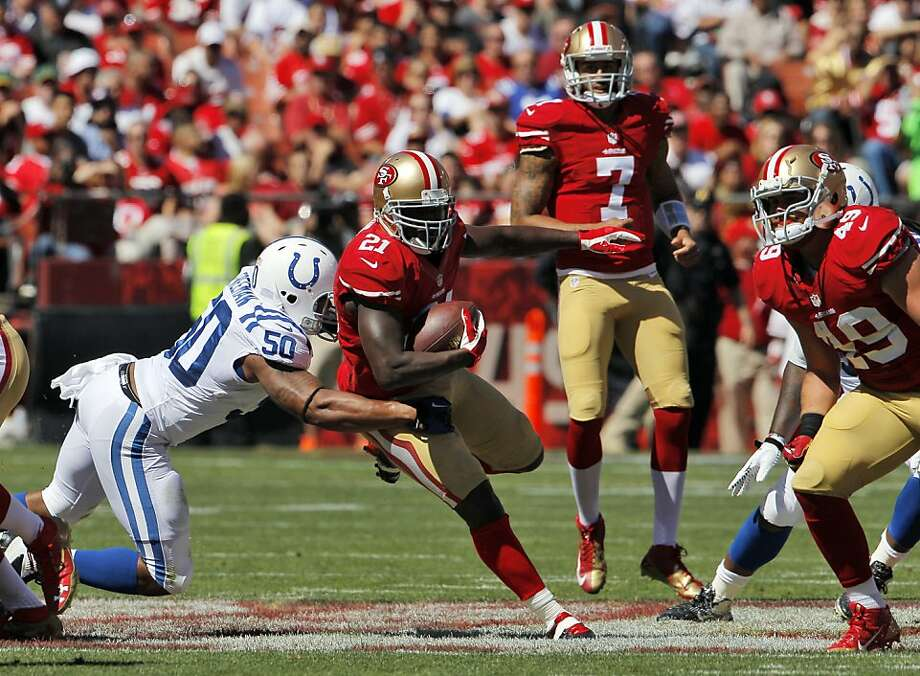 Frank Gore gained 61 yards in the game's first nine minutes, but had only seven carries in the final 50 minutes Sunday. Photo: Carlos Avila Gonzalez, The Chronicle