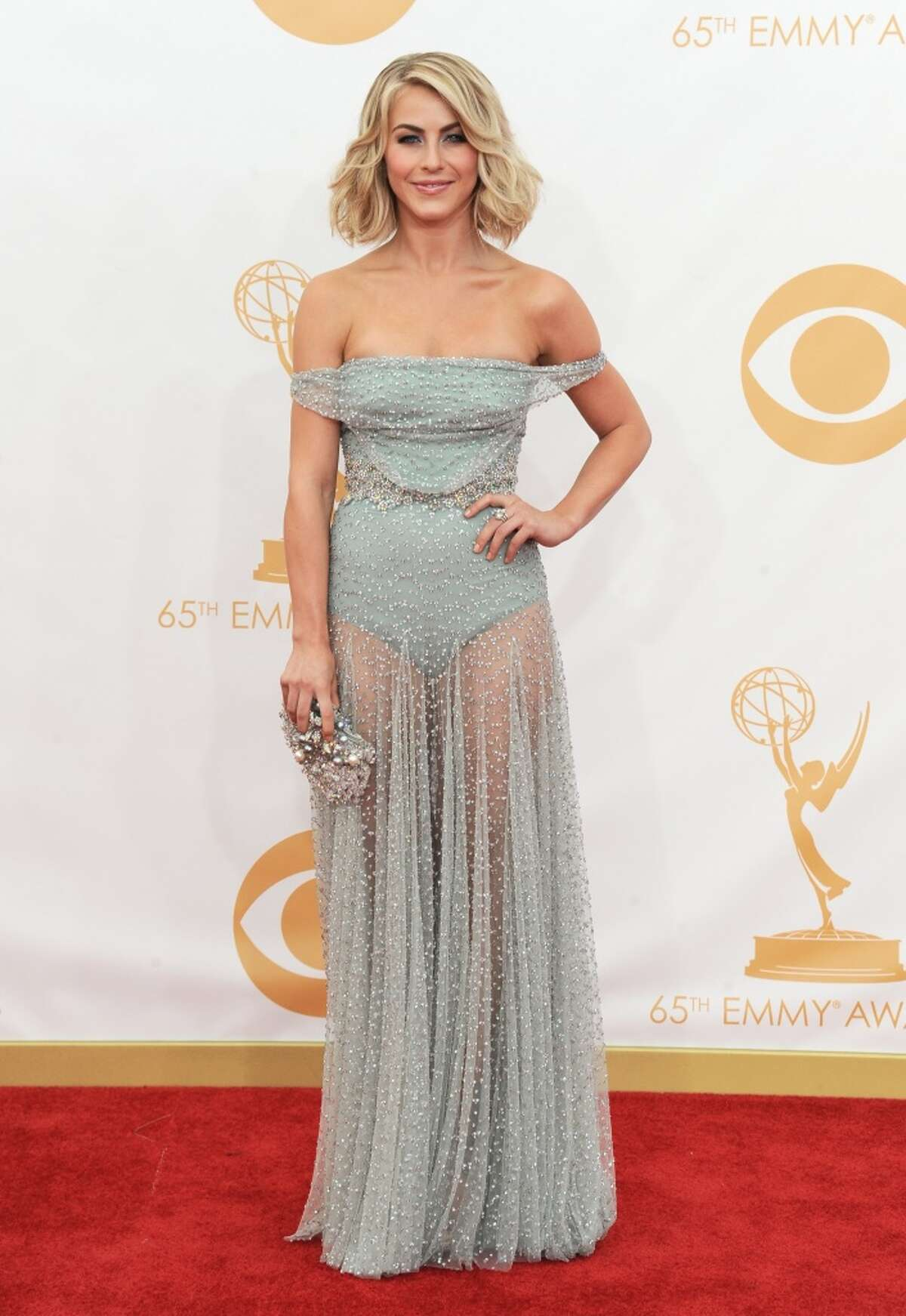 Julianne Hough: is she wearing Depends under her gown?