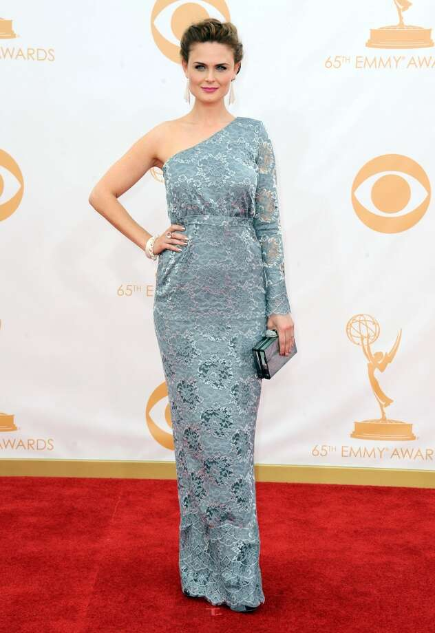Emily Deschanel arrives at the 65th Primetime Emmy Awards at Nokia Theatre on Sunday, Sept. 22, 2013, in Los Angeles.  (Photo by Jordan Strauss/Invision/AP) Photo: Jordan Strauss, Associated Press