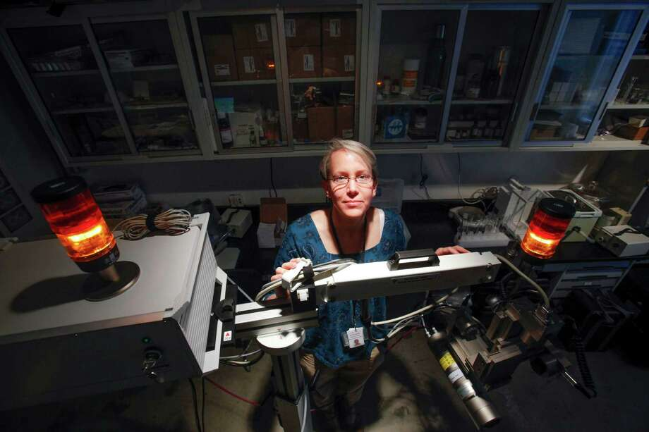 Dr. Corina Rogge, Andrew W. Mellon Research Scientist at the Museum of Fine Arts, Houston and the Menil Collection, uses an X-Ray fluorescence spectrometer in her work. Photo: Eric Kayne / ©Eric Kayne 2013
