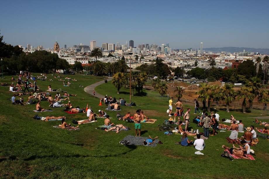 You can map out the different territories of Dolores Park (hipster hill, the gay shelf, etc.). Photo: Liz Hafalia, The Chronicle