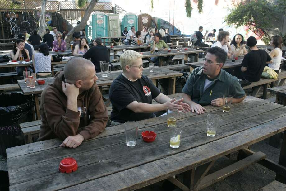 You know just how to handle the bartenders at Zeitgeist. Photo: Mark Costantini, San Francisco Chronicle