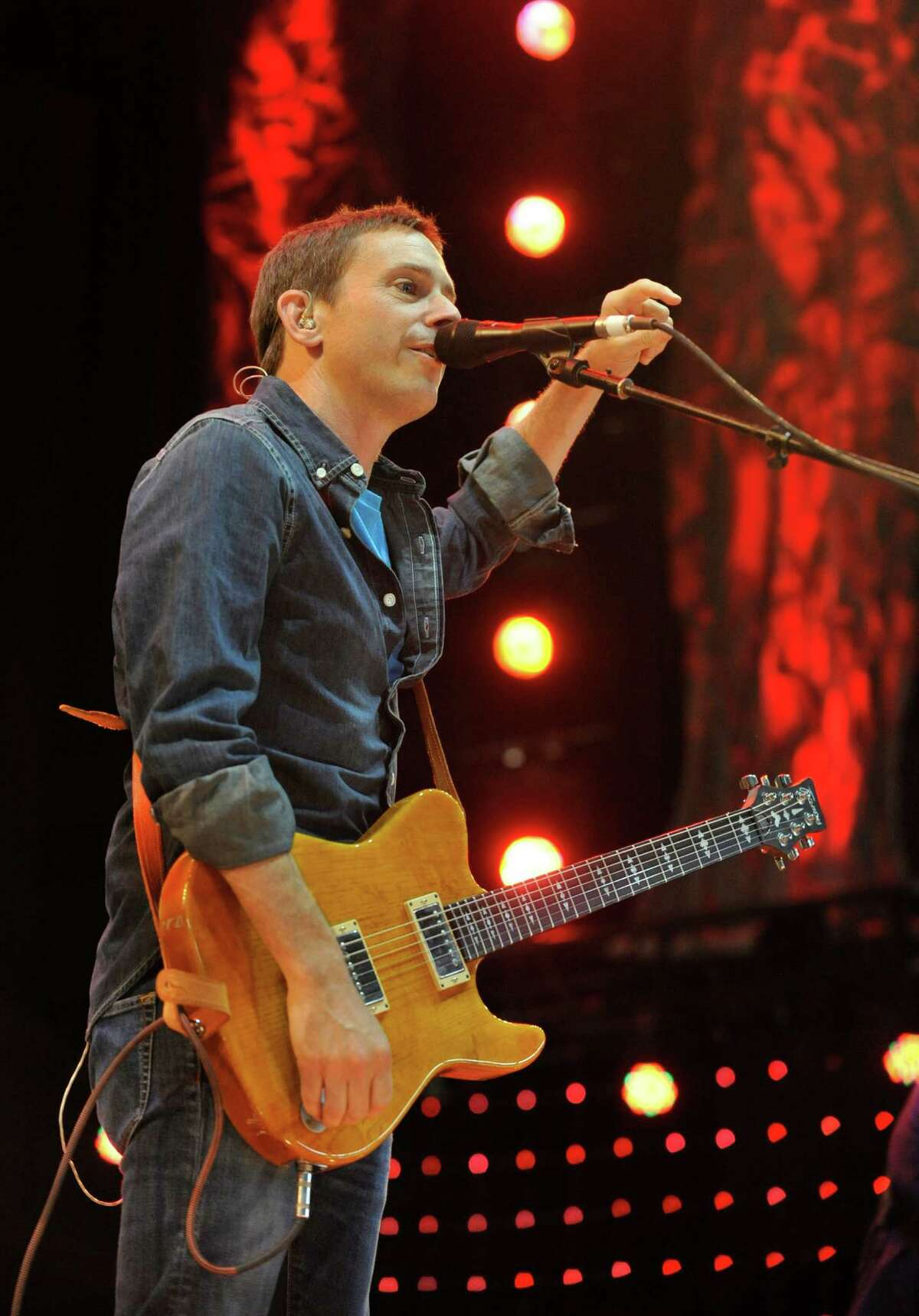 Glen Phillips of Toad the Wet Sprocket performs during the Farm Aid 2013 concert at Saratoga Performing Arts Center in Saratoga Springs, N.Y., Saturday, Sept. 21, 2013.(AP Photo/Hans Pennink) ORG XMIT: NYHP128