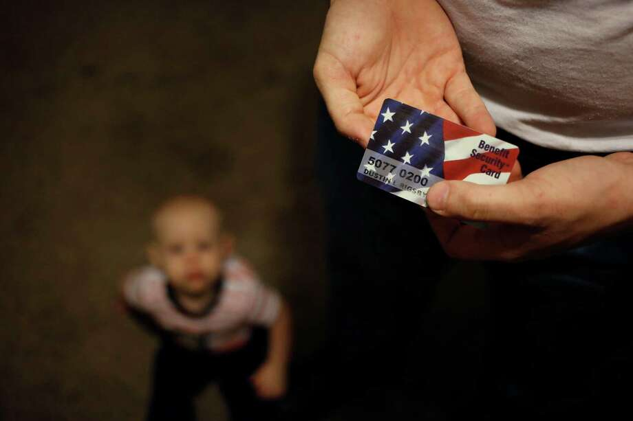 As lawmakers cast the fight in terms of spending, budget analysts and hunger relief advocates warn of a spike in food insecurity among Americans. Photo: LUKE SHARRETT, New York Times / NYTNS