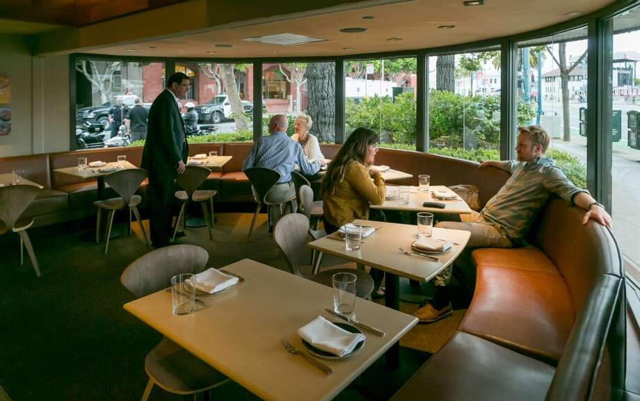 The northern tip of the dining room at Fog City in San Francisco. Photo: John Storey, Special To The Chronicle