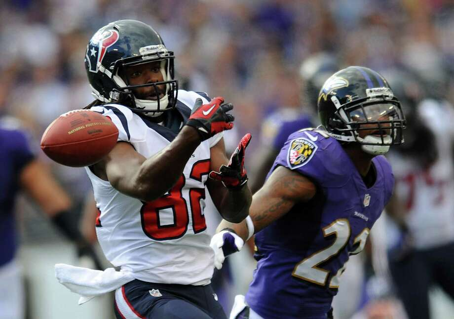Keshawn Martin can't hold onto a pass, one of the offensive problems for the Texans.