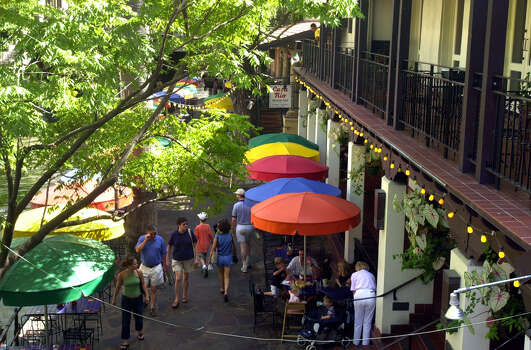 Casa Rio, the first restaurant on The San Antonio Riverwalk.  www.casa-rio.com Photo: KAREN L. SHAW, SAN ANTONIO EXPRESS-NEWS / SAN ANTONIO EXPRESS-NEWS