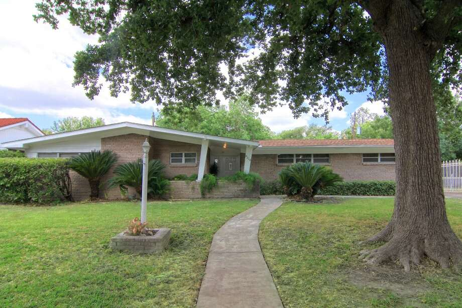 Glenbrook Valley is the Houston's first mid-century Historic District. Here: 8210 Dover. Photo: Courtesy Robert Searcy