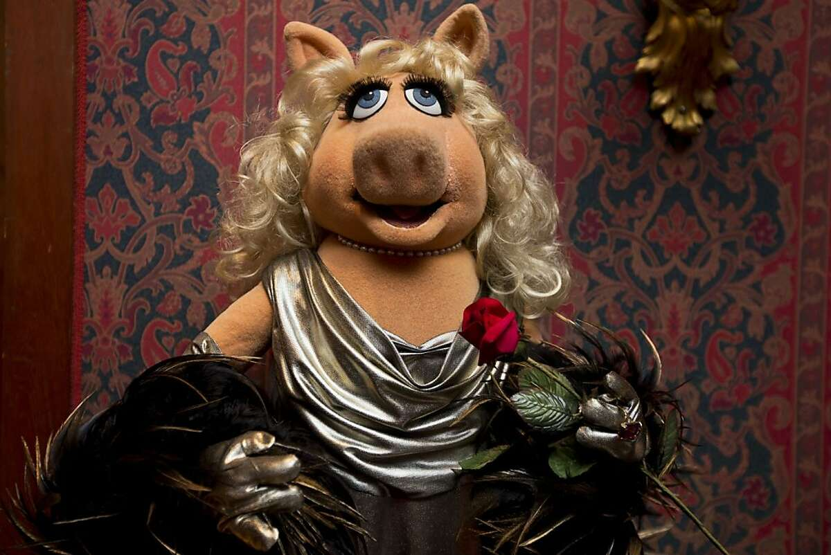 Oh, Kermie! Miss Piggy is finally joining her love, Kermit the Frog, in the Smithsonian Institution's collection of Jim Henson's Muppets, and Bert and Ernie will have a place in history, too.