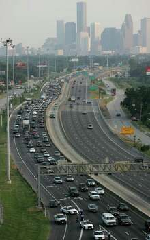 Traffic is lined fleeing in preparation for the possible landfall of Hurricane Rita Tuesday, Sept. 21, 2005, in Houston. Photo: BRETT COOMER, HOUSTON CHRONICLE / HOUSTON CHRONICLE