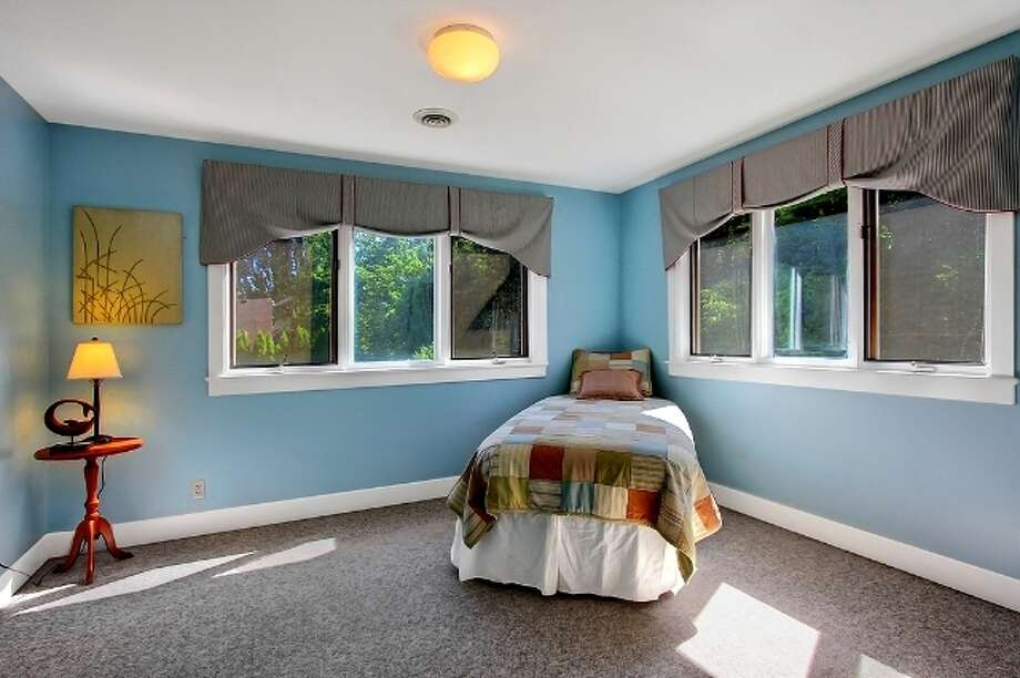 Bedroom of 621 27th Ave. E. It's listed for $774,900. Photo: Vista Estate Imaging, Jacob Pickett, Keller Williams Greater Seattle Realty
