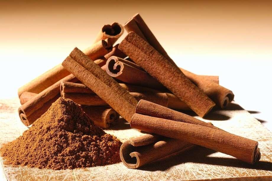 Cinnamon sticks for Buñuelos. Photo: Freddy Smeets / handout / stock agency
