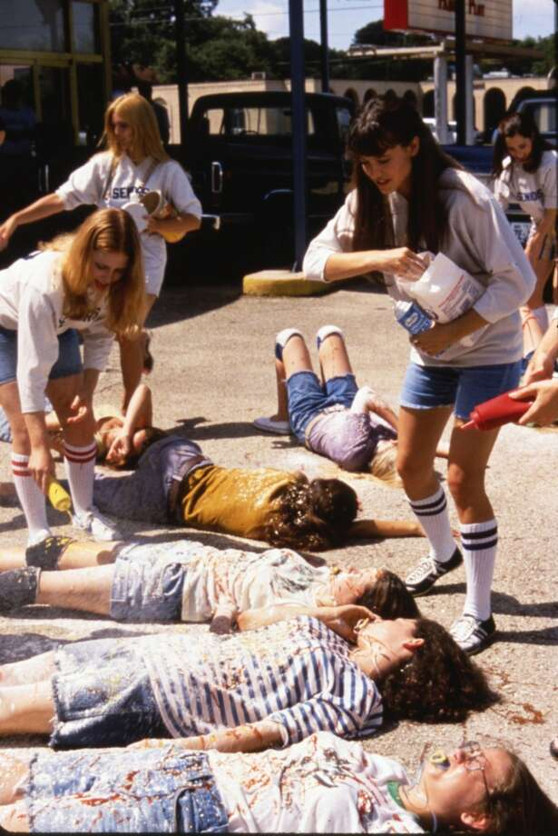 Seniors wreak havoc on the new freshmen. Photo: Dazed And Confused., Gramercy Pictures